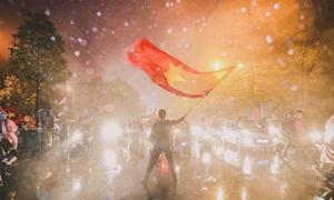 Báo Hàn bị chinh phục trước tinh thần cổ vũ trong mưa của CĐV Việt Nam