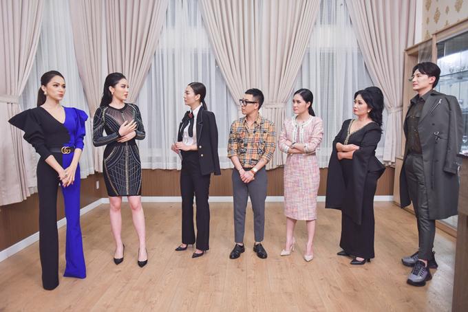 Kết thúc tập 2,team Hương Giang đã giành chiến thắng ở thử thách đầu tiên. Riêng Kỳ Duyên cô đã bật khóc nức nở trước các học trò vì đã thua cuộc.