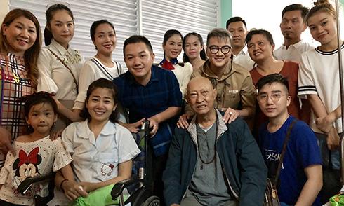 Mr Đàm, Lệ Quyên vào viện thăm Mai Phương, Lê Bình