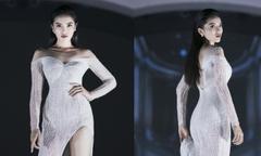 Kỳ Duyên vất vả catwalk với váy xẻ cao