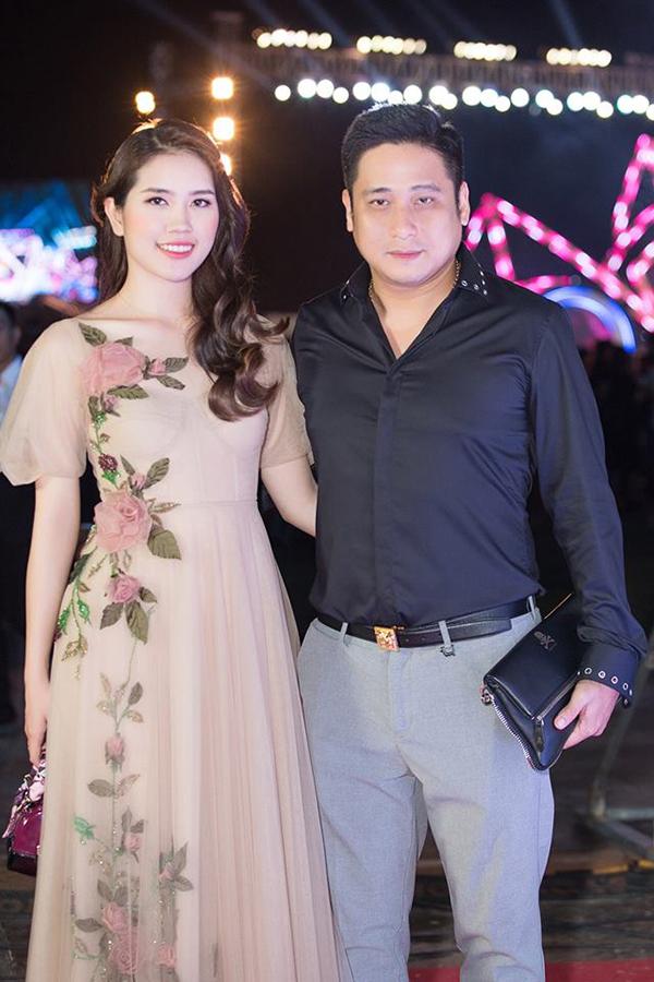 Minh Tiệp và bà xã Thuỳ Dương tại một hoạt động của cuộc thiHoa hậu Việt Nam diễn ra ở Đà Nẵng đầu tháng 9/2018.