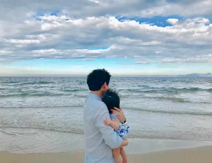 Hoa hậu Đặng Thu Thảo đăng tải hình ảnh Hai tình yêu to nhấtcủa cô.