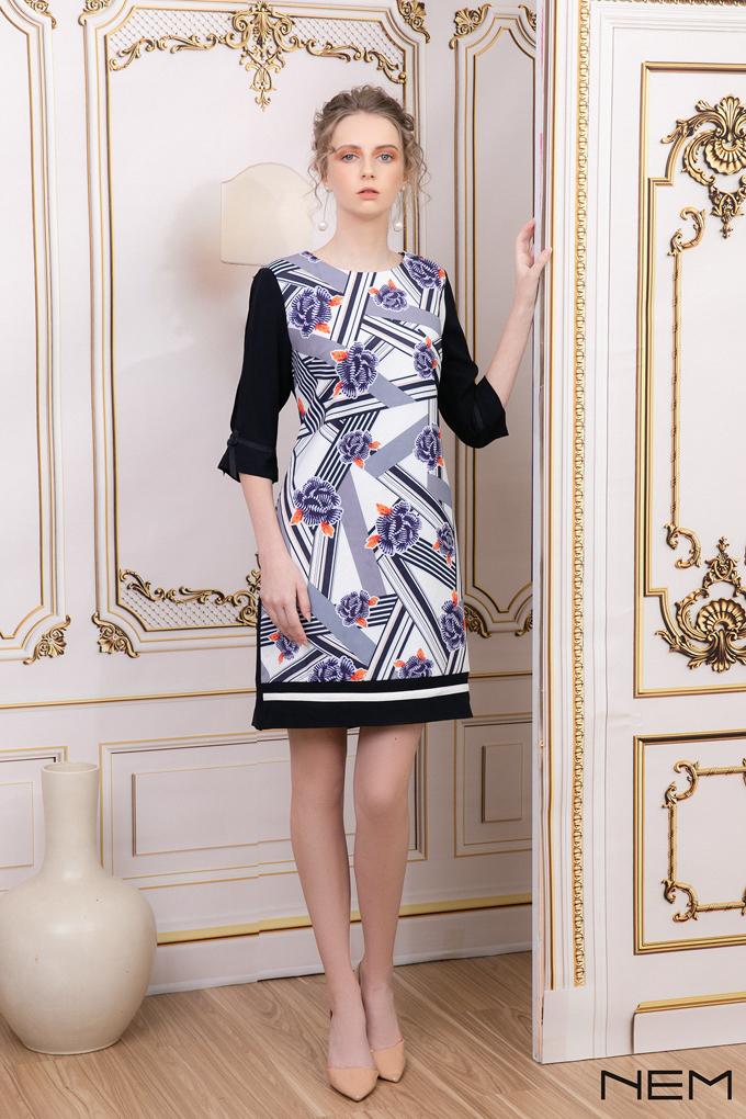 Tới NEM, các tín đồ thời trang có thể lựa chọn nhiều dòng sản phẩm đa dạng, từ thời trang công sở, dạo phố đến thời trang dự tiệc kèm phụ kiện túi, mũ với phong cách phục vụ chuyên nghiệp.