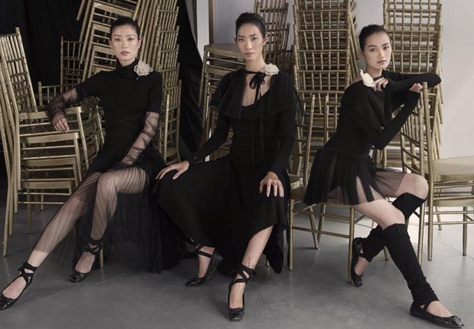 Sau lần ra mắt bộ sưu tập  Xuân  Hè 2017 diễn ra hồi cuối tháng 3/2017, đây là lần thứ 3 Lâm Gia Khang làm show cá nhân.