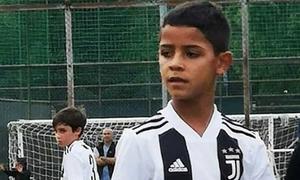 Con trai C. Ronaldo toả sáng trong trận ra mắt đội U9 Juventus