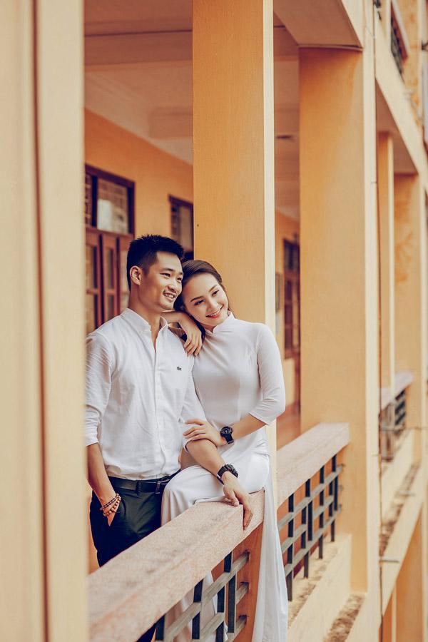 Năm ngoái khi Bảo Thanh vướng vào tin đồntình cảm với bạn diễn Việt Anh, ông xã đã lên tiếng bảo vệ vợ. Anh cũng thi thoảng đồng hành cùng vợ trong các sự kiện showbiz để động viên tinh thần cho cô.