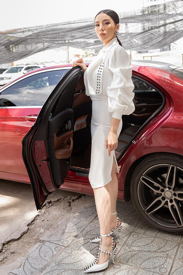 Trước ngày trở thành Huấn luận viên của Siêu mẫu Việt Nam 2018, Kỳ Duyên đã tích cực giảm cân để lấy lại vóc dáng vạn người mê và phù hợp với nhiều trang phục.