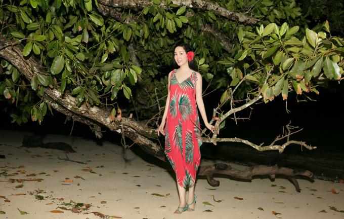Giáng My tiết lộ, cô được Tổng thống nước Cộng hòa Palau bổ nhiệm làm Đại sứ Du lịch Đông Nam Á. Hoa hậu vừa có chuyến thăm đảo quốc này và tận hưởng kỳ nghỉ bình yên, thư thái.