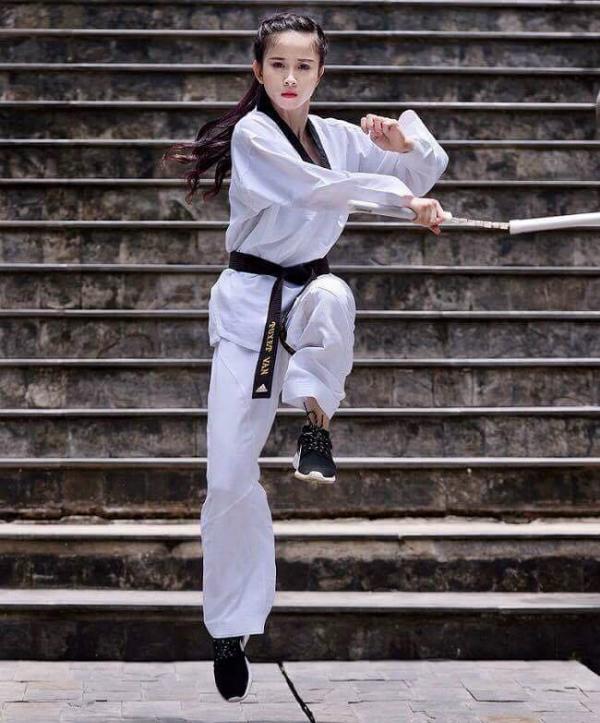 Châu Tuyết Vân chứng minh phụ nữ không yếu đuối như mọi người thường thấy.