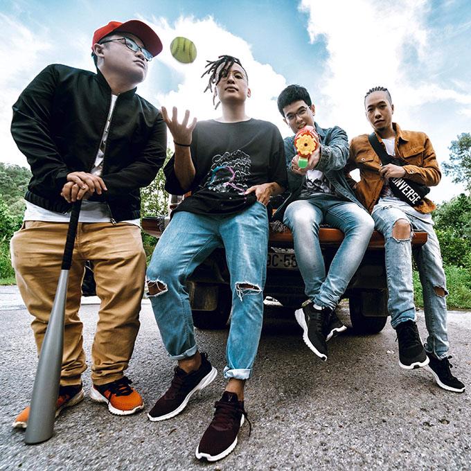 Nhóm Da LAB thành lập từ năm 2007, nổi tiếng trong cộng đồng underground tại Việt Nam với dòng nhạc Rap/Hiphop với hàng loạt bản cover các ca khúc nổi tiếng. Sau đó, nhóm tự sáng tác và được biết đến qua các bài hát Hà Nội giờ tan tầm, Một nhà... cùng các liveshow Tử tế show, Sau 10 năm...Từ năm 2018, thành viên Nguyễn Hoàng Long (Emcee L) chính thức tham gia Da LAB, nhóm hoạt động với đội hình 4 người.