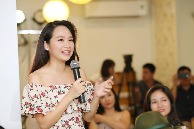 MC Mỹ Lan cũng bất ngờ trước khả năng viết thơ của Phạm Phương Thảo.