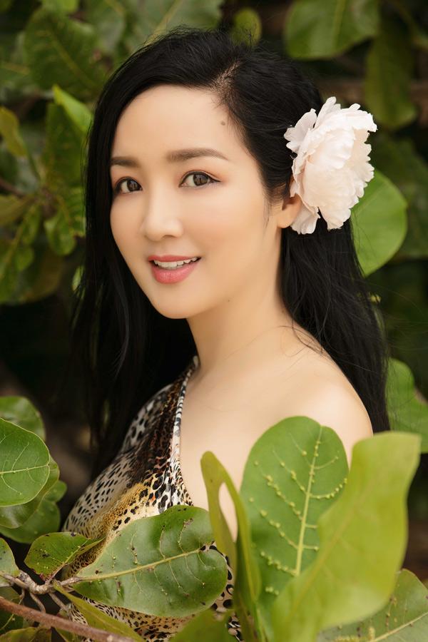 Nhan sắc của Giáng My hầu như không thay đổi sau 26 năm đăng quang Hoa hậu đền Hùng 1992.