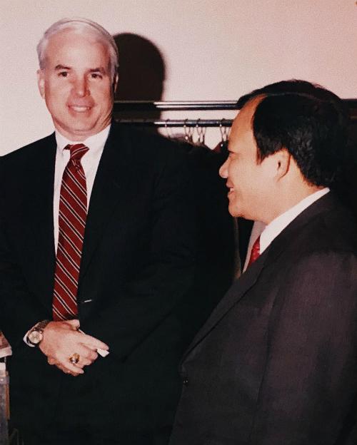 Thượng nghị sĩ John McCain - người vừa qua đời tuần trước - từng là một cựu binh tham gia chiến tranh Việt Nam