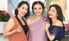 Hà Hương, Kiều Anh chúc mừng ca sĩ Phương Thảo ra mắt tập thơ
