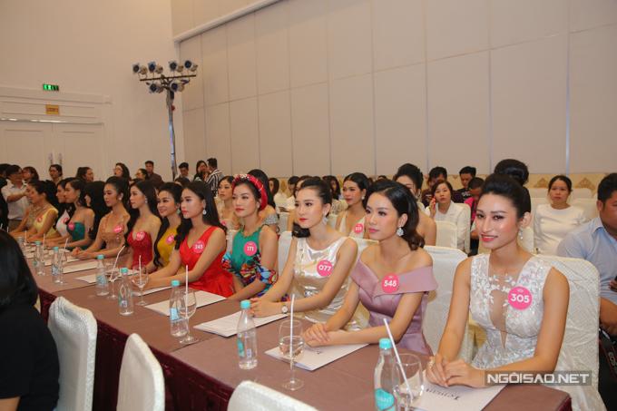 Hai Á hậu 1 và 2 lần lượt tham gia Hoa hậu Hoà bình Quốc tế (tổ chức tháng 10 ở Myanmar) và Hoa hậu Quốc tế (tổ chức tháng 11 ở Nhật Bản).