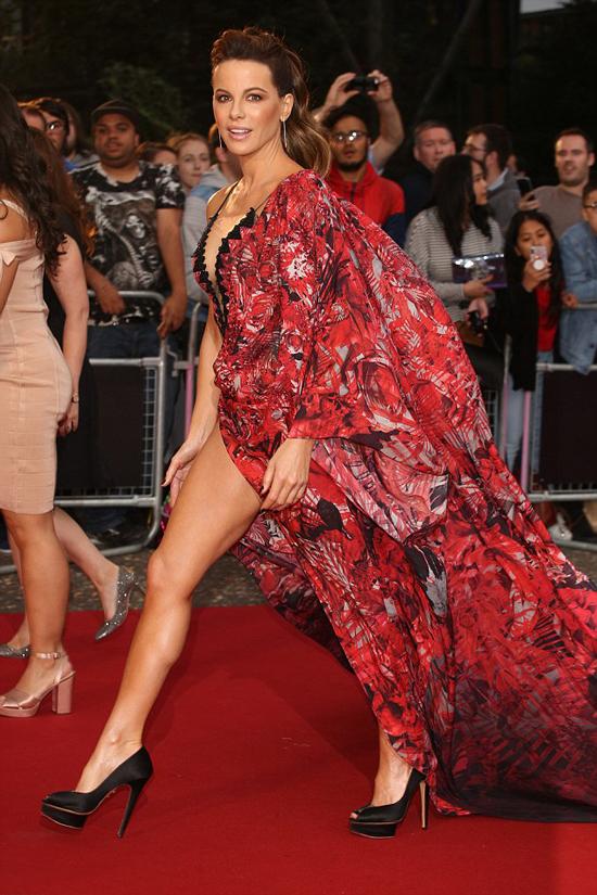 Kate Beckinsale đã có cô con gái 19 tuổi với người tình cũ - tài tử Michael Sheen.