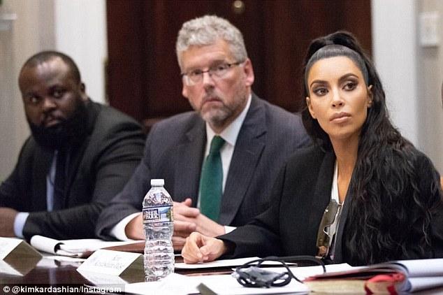 Kim Kardashian đến Nhà Trắng xin ân xá cho tù nhân thứ hai