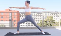 5 phút tập yoga buổi sáng giúp da đẹp dáng thon
