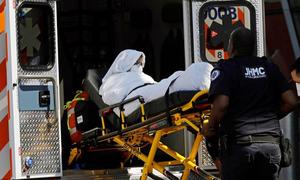 Hơn 100 hành khách đồng loạt đổ bệnh trên máy bay đến Mỹ