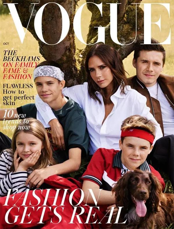 Tuần quan, tin đồn vợ chồng Becks sắp ly hôn tiếp tục rộ lên khi anh không xuất hiện trong bức ảnh bìa của tạp chí Vogue cùng với Vic và 4 đứa con. Chú cún cưng của gia đình anh Olive thậm chícũng góp mặt trong bức ảnh này. Tuy vậy, Vic lên tiếng khẳng định cuộc hôn nhân của họ vẫn đang tốt đẹp.