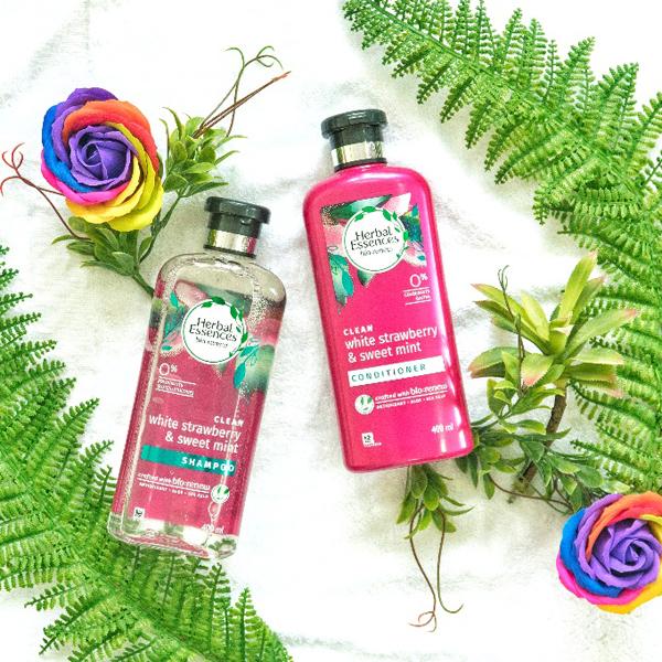 Herbal Essences với hoạt chất chống oxy hóa giúp bảo vệ tóc.