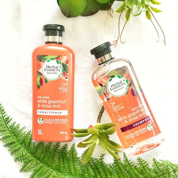 Các sản phẩm của Herbal Essences không chứa chất tạo màu,parabens, gluten.
