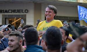 Ứng viên tổng thống Brazil bị đâm khi vận động tranh cử trên phố