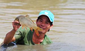 Ngày hội bắt cá của hàng trăm người dân Quảng Nam
