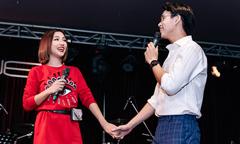 Hoàng Oanh lần đầu nắm tay hát cùng người con trai cô từng thích