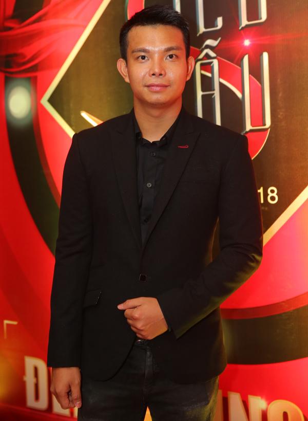 Nhà thiết kế Đỗ Long lịch lãm đi xem thi chung kết Siêu mẫu Việt Nam 2018.