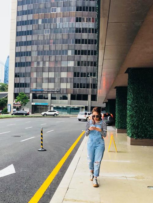 Mỹ Tâm tung tăng dạo phố Hàn Quốc.