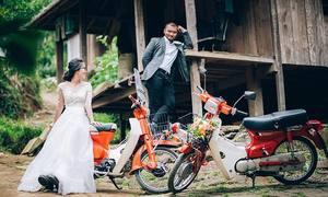 Uyên ương Sài Gòn đem xe Cub lên Gia Lai chụp ảnh cưới