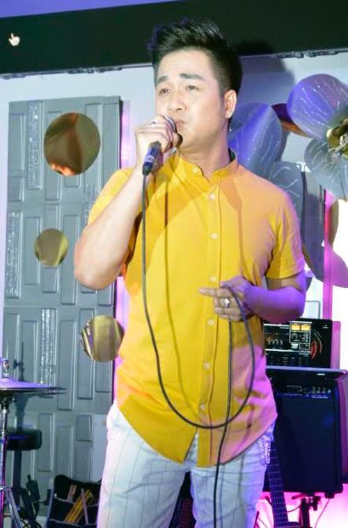 Ca sĩ Quách Tuấn Du được khán giả đón nhận nhiệt tình khi sang xứ cờ hoa diễn.