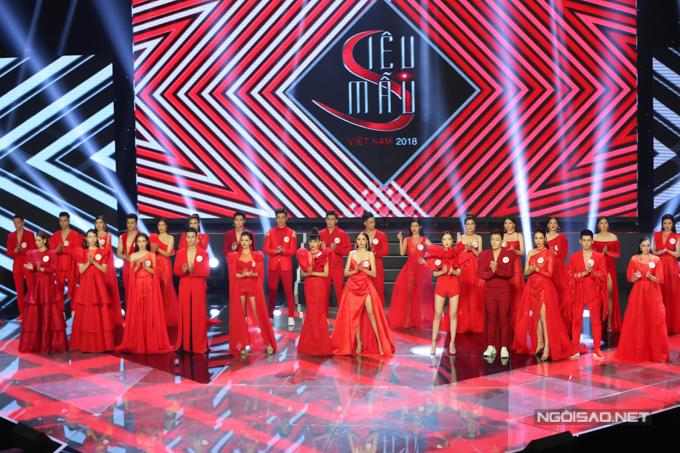 Tối 9/9, 30 gương mặt xuất sắc nhất Siêu mẫu VN 2018 cùng bước vào đêm thi chung kết và xếp hạng.
