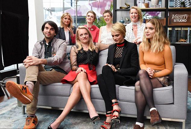 Amber Heard hội ngộ cùng các bạn diễn phim Her Smell và nhà biên kịch kiêm đạo diễn Alex Ross Perry (ngoài cùng bên dưới).