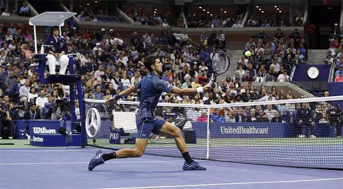 Trong trận chung kết giải Mỹ mở rộng rạngsáng 10/9, Djokovic giành chiến thắng cả ba set trước Del Potro với các tỷ số 6-3, 7-6 và 6-3.