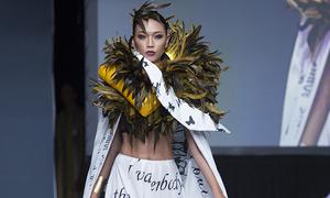 Diệu Huyền làm vedette trong show thời trang ở Mỹ