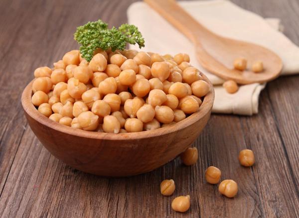 Đậu gàHàm lượng protein cao trong đậu gà kích thích sản sinh cholecystokinin - hormone kích thích quá trình sản sinh ra mật ở túi mật, hỗ trợ giảm viêm đường ruột.