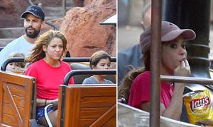 Shakira vô tư ăn khoai tây chiên khi cùng bồ trẻ đưa con đi Disneyland