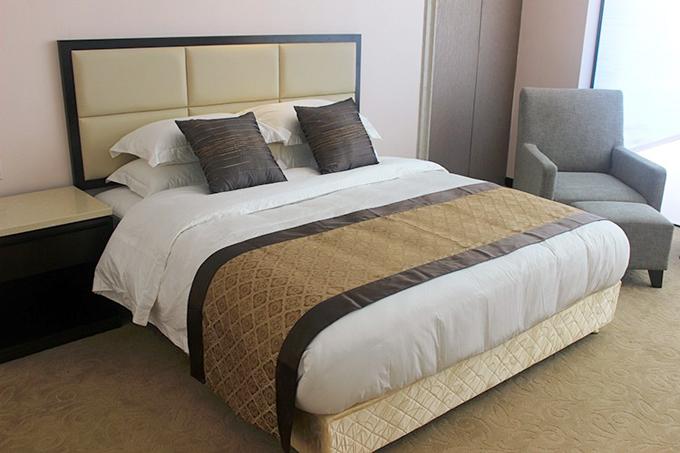 Những công dụng của tấm trải ngang giường trong nhà nghỉ, khách sạn - 1