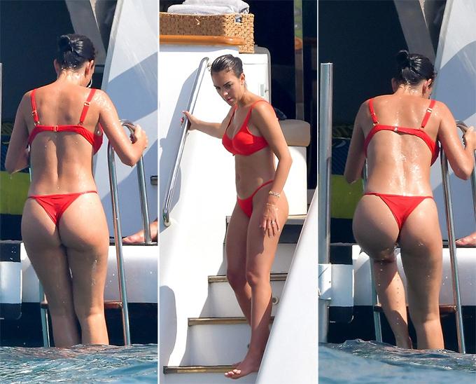 Bạn gái C. Ronaldo diện bộ bikini bé xíu màu đỏ, chơi nhảy cầu từ du thuyền hạng sang.