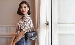 Khám phá túi: Đỗ Mỹ Linh được mẹ chuẩn bị 3 triệu đồng để đi công tác
