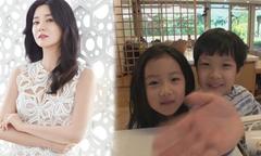 Hai con của Lee Young Ae được khen 'ngày càng kháu khỉnh'