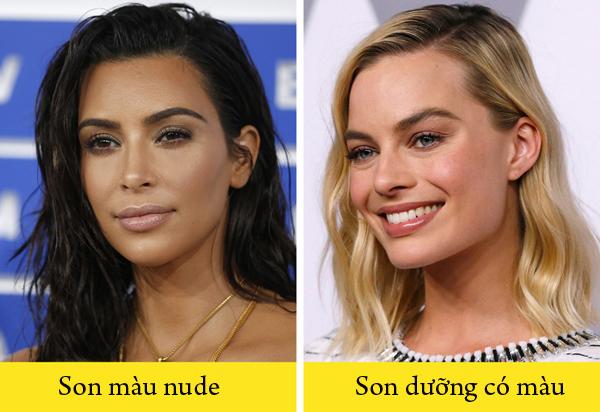 Dùng son dưỡng có màu thay son nudeKhi dùng son màu nude, bạn cần trang điểm mắt đậm để khuôn mặt có điểm nhấn, nếu không, trông bạn sẽ mệt mỏi, thiếu sức sống. Chuyên gia trang điểm khuyên rằng nếu muốn trang điểm tự nhiên, bạn nên dùng son dưỡng có màu thay vì dùng son nude.