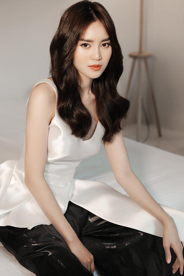 Vào ngày 17/9, Phương My sẽ mang bộ sưu tập mới nhất của mình trình diễn trong chương trìnhVancouver Fashion Week tổ chức tạiCanada.