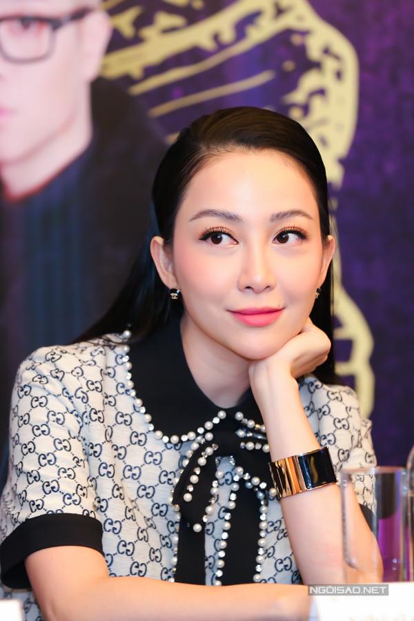 Sau đổ vỡ hôn nhân, Linh Nga đã tìm được tình yêu mới bên bạn trai đại gia. Cô khá kín tiếng về chuyện tình cảm.