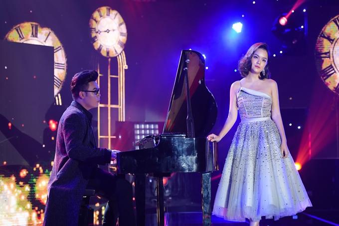 Phạm Quỳnh Anh lần đầu kết hợp cùng nhạc sĩ Hamlet Trương tham gia gala nhạc Việt.