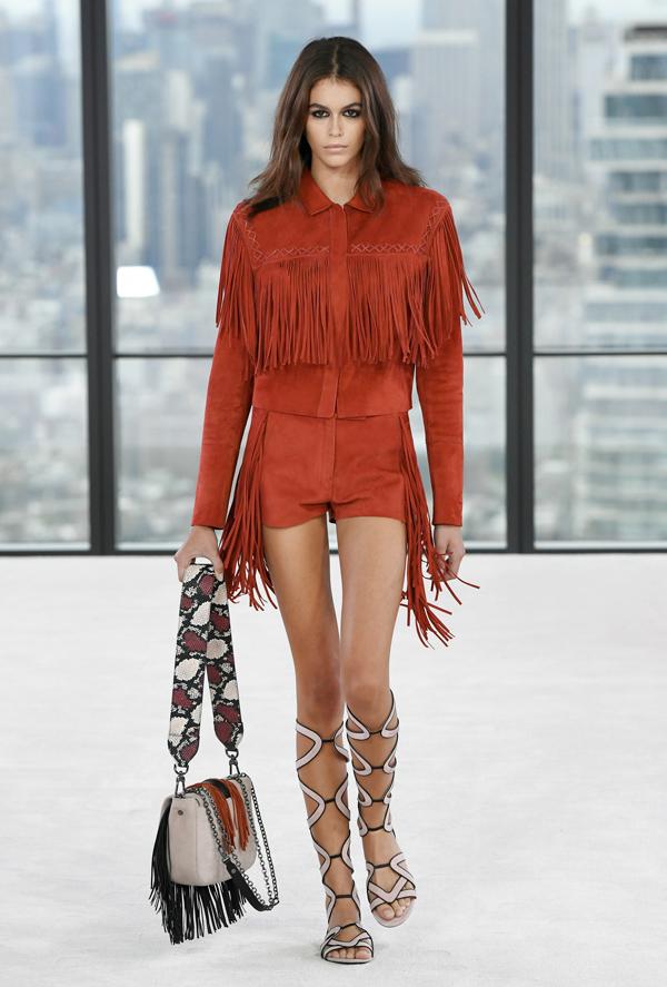Con gái Cindy Crawford càn quét sàn diễn New York - 5
