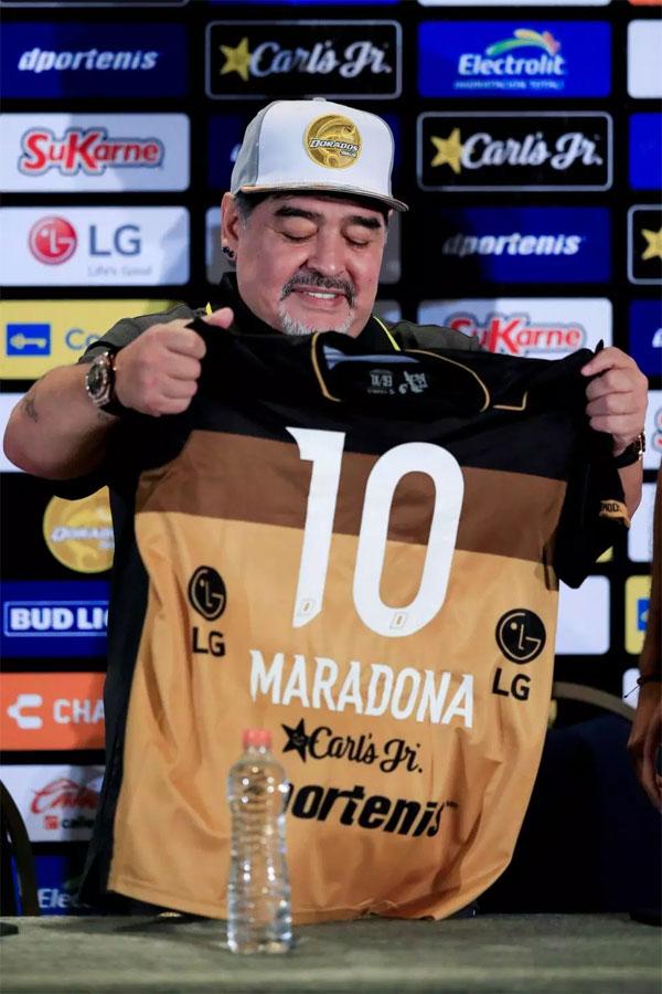 Ông chia sẻ bản thân cảm thấy hối tiếc vì quãng thời gian 14 năm sa đà vào ma túy. Hiện tại Maradona muốn cháy hết mình, không muốn lãng phí thời gian để tập trung cho sự nghiệp huấn luyện.