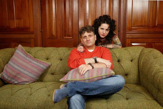 Andrew Wardle và bạn gái